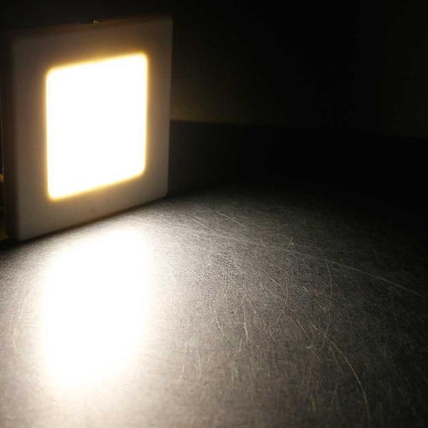 Warmweiß-leuchtende Wand-Einbauleuchte mit 2,5W LEDs