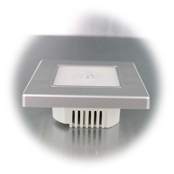 Silberne LED Wand-Einbauleuchte mit PIR-Bewegungsmelder