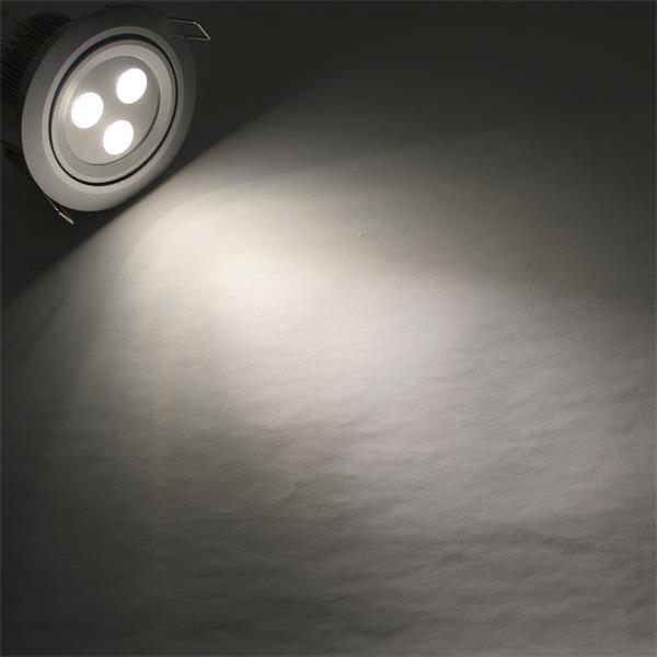 LED Einbauspot 12V rund mit unglaublichen 405lm Lichtstrom aus 3x 3W Cree-LEDs