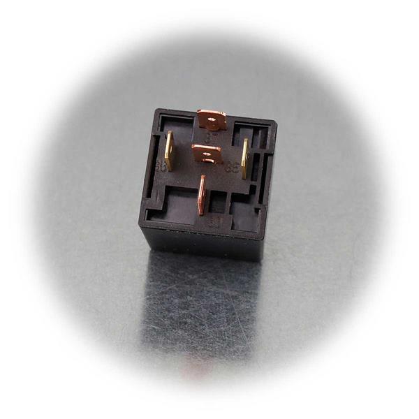 5-poliges Umschaltrelais mit 6,3mm-Flachsteckern