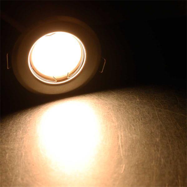 Warmweiß-leuchtender 3W Einbaustrahler im 5er Set