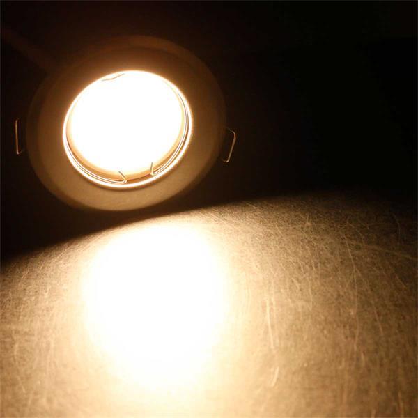10 warmweiß-leuchtende Einbaustrahler zum direkten Anschluss an 230V