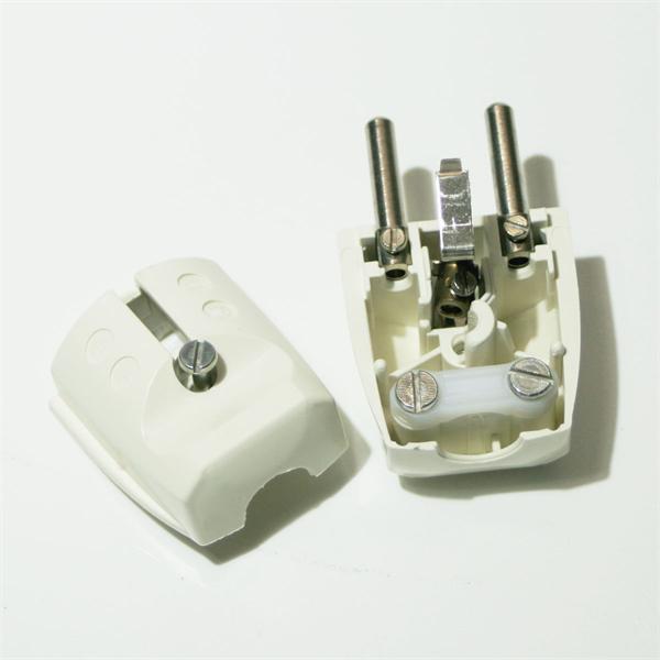 Schutzkontakt Verbindung 230V mit Zugentlastung für Stromkabel