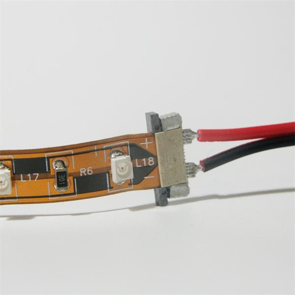 Clip mit Verbindungskabel für flexible SMD LED Streifen