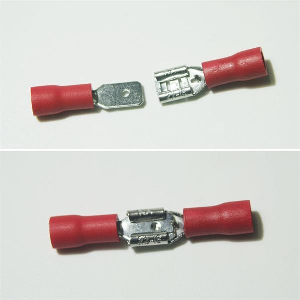rote Flachsteckverbinder aus teilisoliertem PVC und Messing, verzinnt