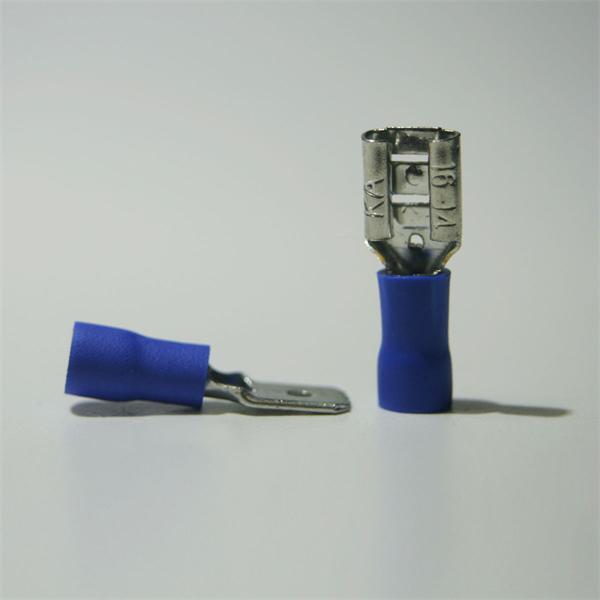 Flachstecker und Flachsteckhülse für Kabelnennquerschnitte von 1,5-2,5mm²