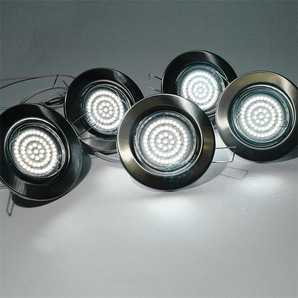 LED Einbauleuchten mit ca. 240lm Lichtstrom in einem schwenkbarem chrom-matten Rahmen