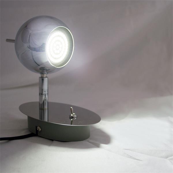 LED Wandleuchte aus poliertem Chrom mit perfekter Ausleuchtung