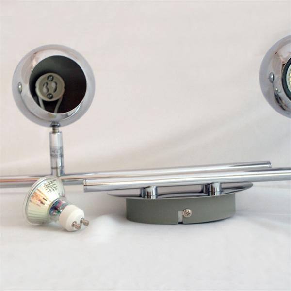 LED Wohnraumleuchte mit runden individuell ausrichtbaren Lampenköpfen