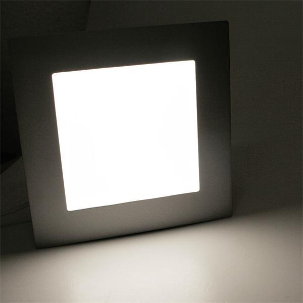 LED Leuchte mit tageslicht weißen und blendfreien Licht