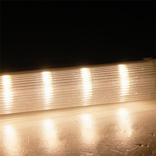 LED Lichtleiste mit warmweißen 3-Chip SMD LEDs