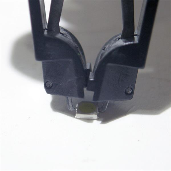 Zange dient zum Ausheben von gesteckten SMD PLCC`s