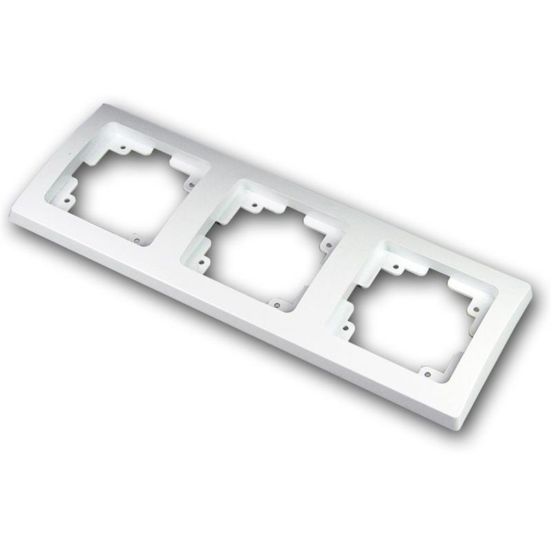 DELPHI tripple frame, under plaster